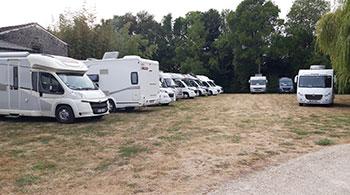 Rassemblement de camping-caristes au Domaine Tesseron