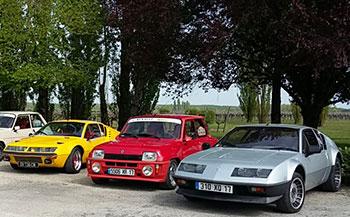 Voitures anciennes Renault au Domaine Tesseron